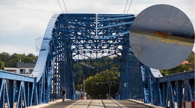 Radny z Dzielnicy I Jacek Balcewicz zwraca uwagę, że na niedawno wyremontowanym moście Piłsudskiego już pojawiła się korozja. Urzędnicy odpowiadają, że to pewnie zabrudzenia.