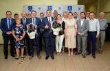 Jednogłośne absolutorium i wotum zaufania dla burmistrza Daleszyc Dariusza Meresińskiego