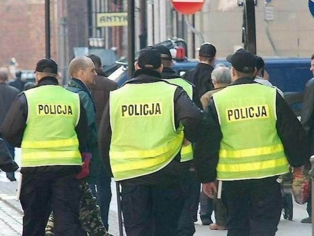 Policjanci, którzy brali udział w zatrzymaniu wiceprezesa ZUS-u przebywającego w Bydgoszczy, zostali przesunięci z Komendy Miejskiej Policji w Bydgoszczy do pracy w poszczególnych komisariatach