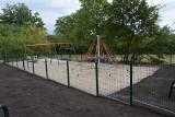 Zapomniane miejsce zmieniło się w plac zabaw i teren do treningu. Tak dzięki mieszkańcom wypiękniała ulica Pszenna w Zielonej Górze