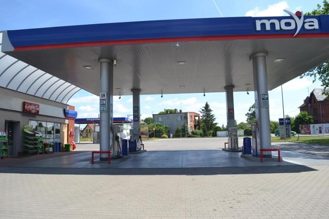 Napad na stację benzynową pod Pleszewem. Nie żyje bandyta, policjant ranny