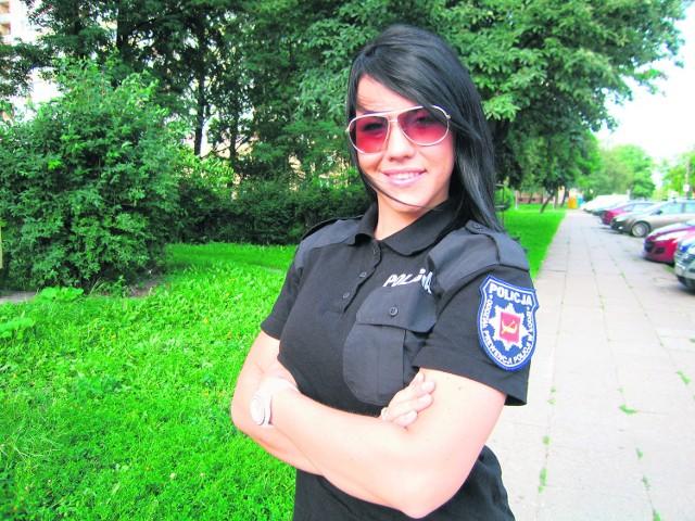 Łódzką twarzą EURO 2012 jest policjantka Natalia Rogozińska, której uśmiech oczarował irlandzkich kibiców w Poznaniu.