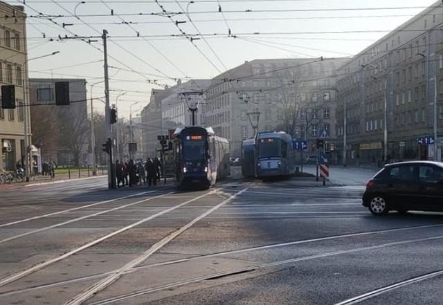 Zderzenie tramwajów na placu Legionów we Wrocławiu.