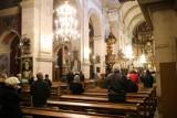 Msza święta w telewizji. O której transmisja nabożeństwa w święto Trzech Króli?