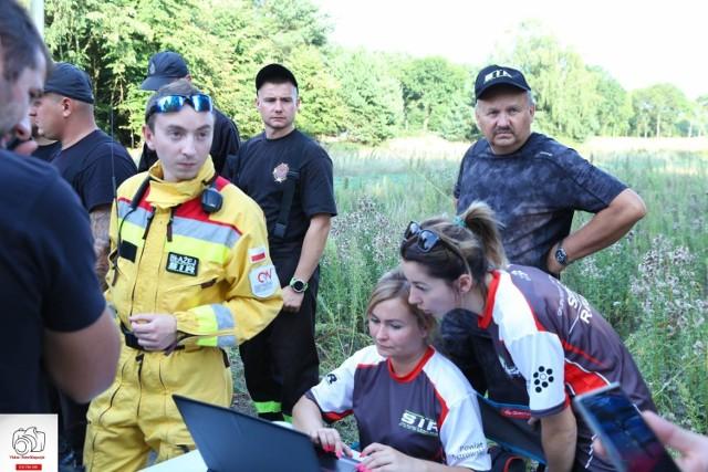 W sobotę wieczorem odnaleziono mieszkańca Domu Pomocy Społeczne w Baszkowie. Wcześniej poszukiwało go ponad 100 osób i śmigłowiec.