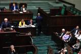 Sondaż przedwyborczy: PiS wyprzedza PO i lewicę