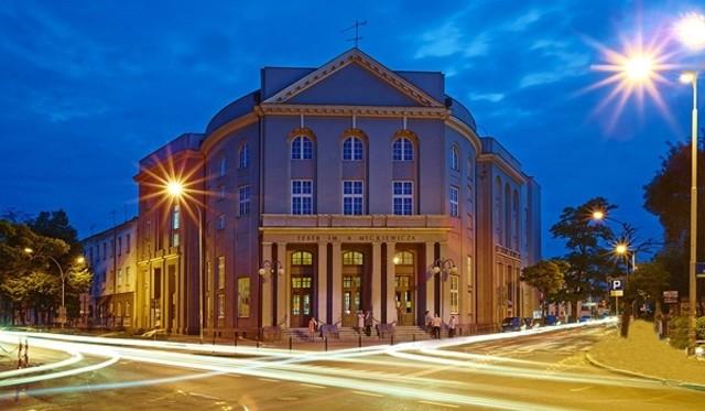 Teatr im. A. Mickiewicza na razie pozostaje zamknięty
