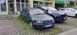 Stare samochody i wraki zajmują miejsca parkingowe w Łodzi. Sprawdź gdzie stoją i jak się ich pozbyć ZDJĘCIA