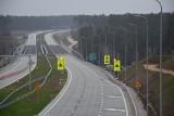 Wstrząsające wrażenia z jazdy drogą S5. Jest też znak ograniczający szybkość do 80 km/h
