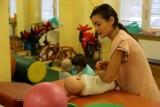 Rodzice niepełnosprawnych dzieci: - Przez 3 tygodnie dzieci nie miały rehabilitacji, bo strajk