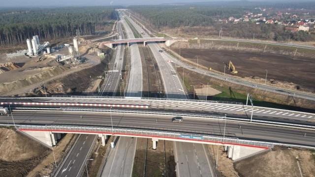 Zdjęcie z drona drogi ekspresowej S5 w okolicy Pawłówka i węzła Bydgoszcz Zachód