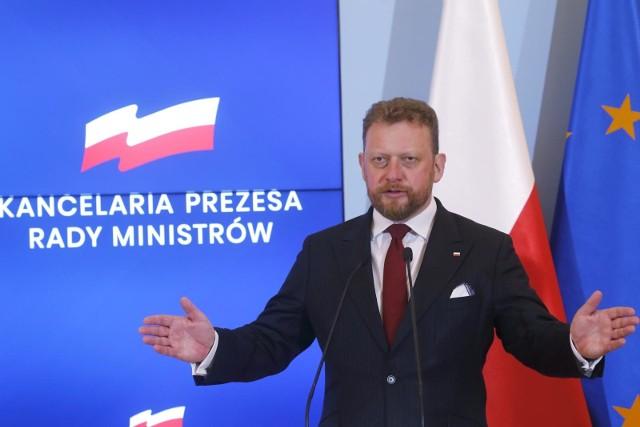 Minister Zdrowia Łukasz Szumowski zniósł kolejne obostrzenia.