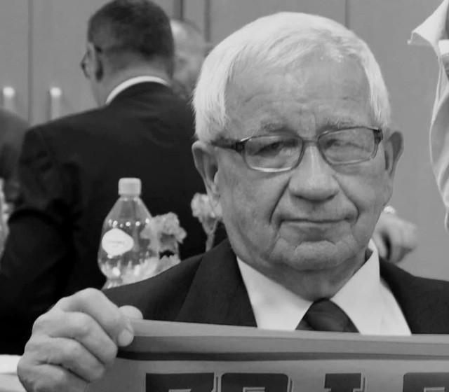 Maciej Błasiak miał 76 lat, w przeszłości reprezentował barwy Jodły Jedlnia-Letnisko, po zakończeniu przygody z piłką był jej działaczem.