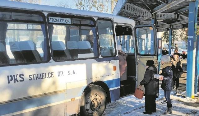 """Nowy związek """"Jedź z nami"""", który tworzą samorządy, ma zorganizować transport autobusowy po nowemu, tak, by autobusy częściej kursowały w terenie wiejskim."""
