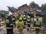 Tragiczny wybuch gazu w Kobiernicach. Cała rodzina pod gruzami domu jednorodzinnego. Zginęła babcia