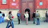 NIK do prokuratury i CBA: Niegospodarność w wyższej szkole w Legnicy