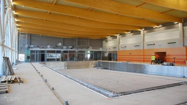 Budowa basenu na os. Zwycięstwa ma zakończyć się już w marcu przyszłego roku