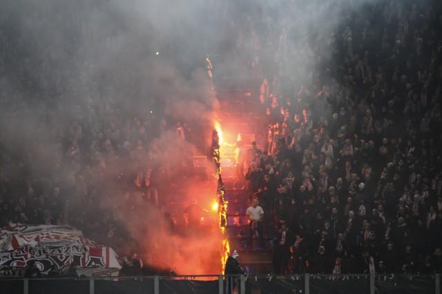 Podczas derbów Krakowa zostały odpalone race