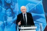 Jarosław Kaczyński mówił w RMF FM o obecności Polski w UE, kwestii cen paliwa i akcyzie, pieniądzach z Unii