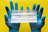 Rękawiczki dla bezpiecznych zakupów. Jak ich używać by chroniły przed koronawirusem?