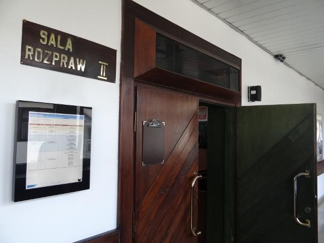 Proces toczy się w wydziale karnym Sadu Rejonowego w Wieluniu. Do tej pory odbyły się dwie rozprawy