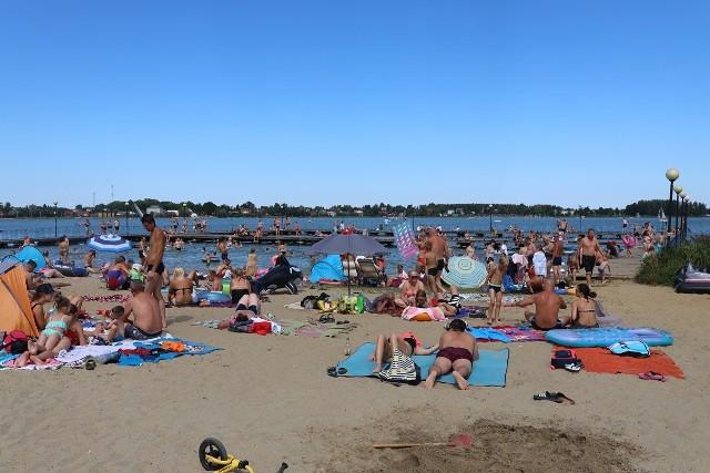Tym razem sprawdziliśmy dla Was, jak mieszkańcy woj. lubelskiego odpoczywali nad jeziorem Firlej
