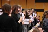 Poznań: Niemy protest na UAM podczas konferencji Jarosława Gowina [ZDJĘCIA]