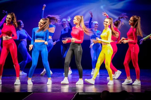 Podczas piątkowej gali finaliści i finalistki Miss Podlasia 2021, Mistera Podlasia 2021 i Miss Podlasia Nastolatek 2021 zaprezentowali się w strojach sportowych.