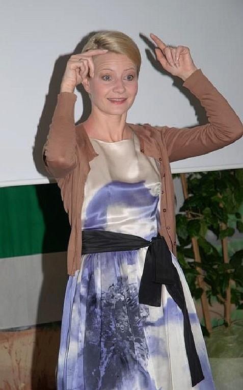 Podczas spotkania z uczniami Ośrodka Szkolno-Wychowawczego Małgorzata Kożuchowska wcieliła się w Kaczkę Dziwaczkę.
