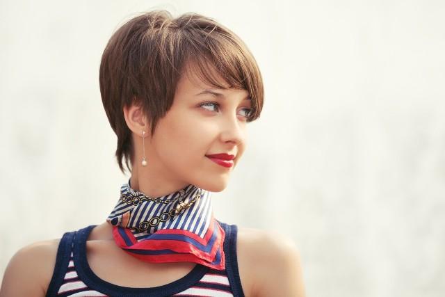 Najmodniejsze fryzury dla krótkich włosów 2021>>>