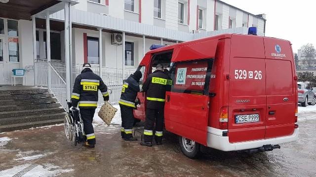 Strażacy z powiatu sępoleńskiego pomagają w akcji #szczepimy się