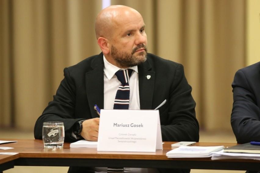 Członek Zarządu Województwa Mariusz Gosek mówił, że budowa...