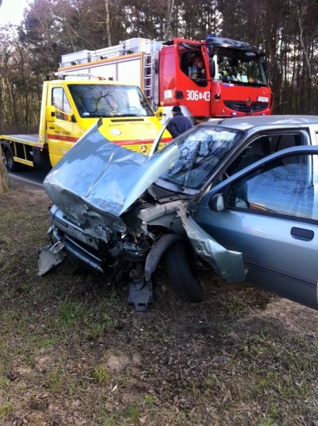 Głuszyna: Dwie osoby ranne w wypadku