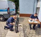 Policjanci z KPP w Nakle rozpoczęli akcję znakowania rowerów. Pierwsze cieszyły się powodzeniem. Zobacz kolejne terminy w gminach