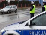 Policjanci z Pionek zatrzymali pijanego kierowcę. Nie miał prawa jazdy i był poszukiwany