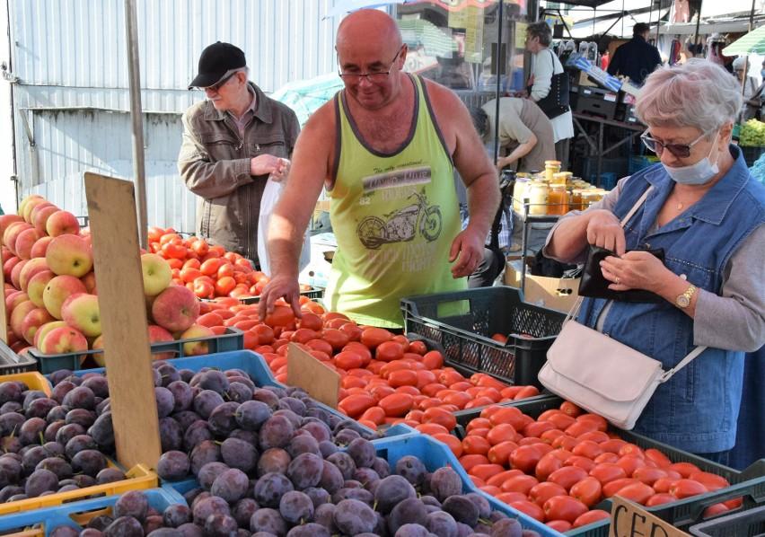 We wtorek 14 września wybór owoców i warzyw był na...