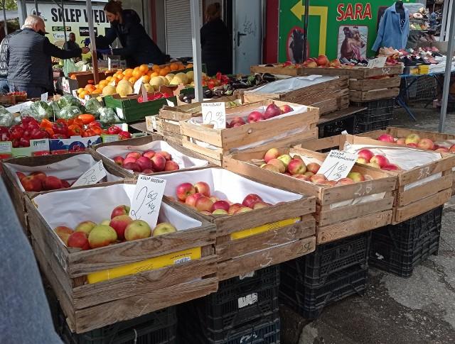 Według notowań KPODR ceny jabłek na targowiskach w regionie wynoszą od 2 zł/kg w Skrwilnie do 5 zł w Koronowie i Chełmży (20.28).