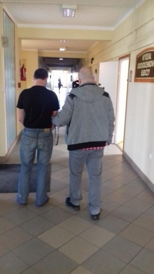 Podejrzany o rozbój 43-letni przemyślanin został objęty policyjnym dozorem.