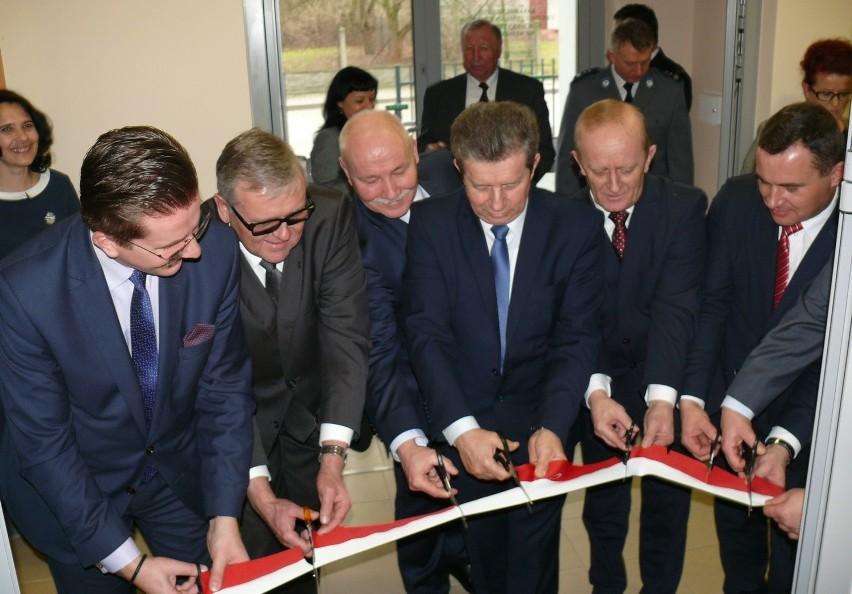 W poniedziałek otwarto nową Placówkę Terenową Kasy Rolniczego Ubezpieczenia Społecznego przy ulicy Kusocińskiego we Włoszczowie.