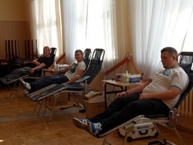 Uczniowie Centrum Kształcenia Ustawicznego oddali w sobotę 19 litrów krwi.