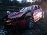 Wypadek na zakopiance w Lubniu. Samochód wylądował na dachu