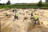 Budowali drogę, wykopali ludzkie kości. To cmentarz z XVII wieku [ZDJĘCIA]