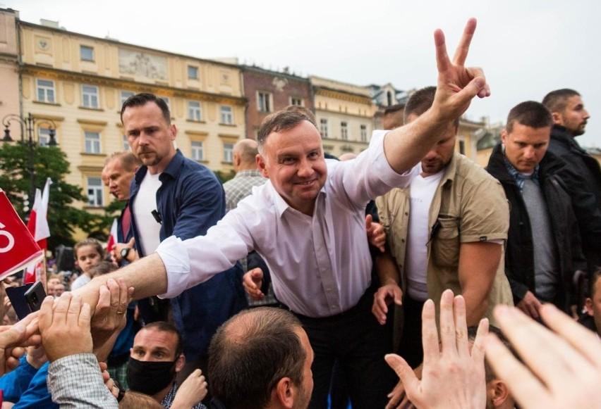Wybory 2020. Lekarze z Łodzi potępiają słowa Andrzeja Dudy o szczepieniach