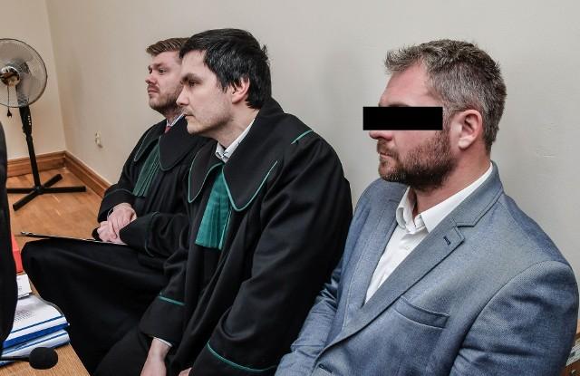 Rafał P., były bydgoski radny PiS, teraz już musi iść na dwa lata do więzienia.
