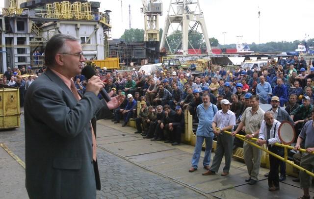 Dobrą nowinę obwieścił stoczniowcom Andrzej Stachura, prezes Stoczni Szczecińskiej Nowa.