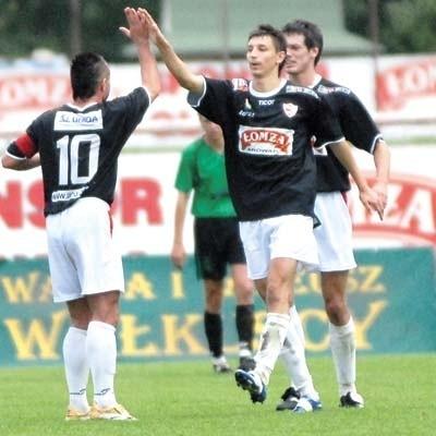 Piłkarze ŁKS-u Browar Łomża w przyszłym sezonie będą mieli szansę cieszyć się z występów w pierwszej lidze