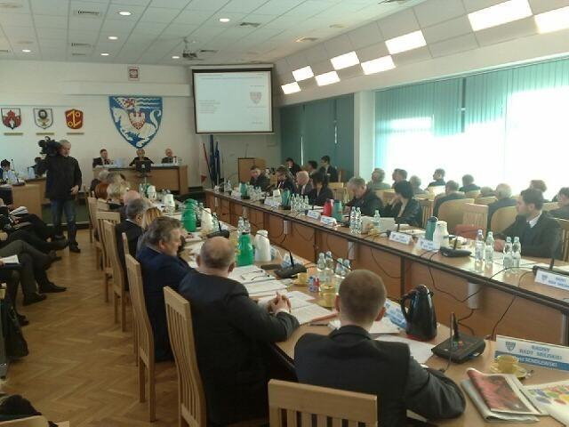 Na sesji Rady Miejskiej trwa dyskusja o budżecie.