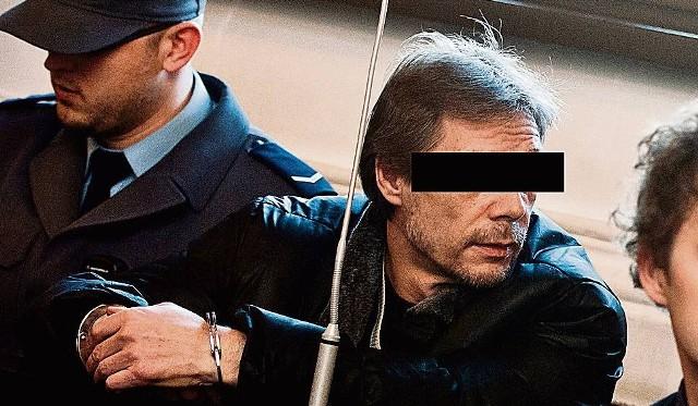 """Proces samego Henryka L. """"Lewatywy"""" i jego gangu trwa jeszcze przed Sądem Okręgowym w Toruniu i rychło się nie skończy. Lekarze natomiast, którzy mieli pomagać gangsterom, wyrok usłyszą 18 października."""