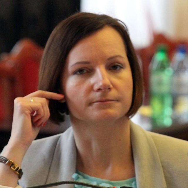 Upraszczamy procedury, zwalniamy z wkładów własnych, wnioskodawca nie będzie miał też obowiązku dostarczenia rekomendacji – zapewnia Małgorzata Moskwa-Wodnicka, wiceprezydent  Łodzi, odpowiedzialna za kulturę w mieście