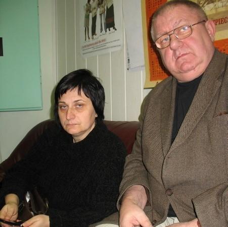 - Jesteśmy zdesperowani i zmęczeni walką ze starostwem, a także groźbami, że zostaniemy rozwiązani - mówią Wioletta Żylak i Tadeusz Głowacki